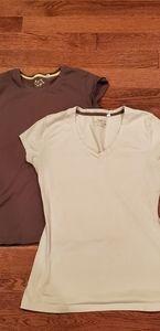 💗5/$25 Sale 💗 lot of 2 juniors xl tshirts